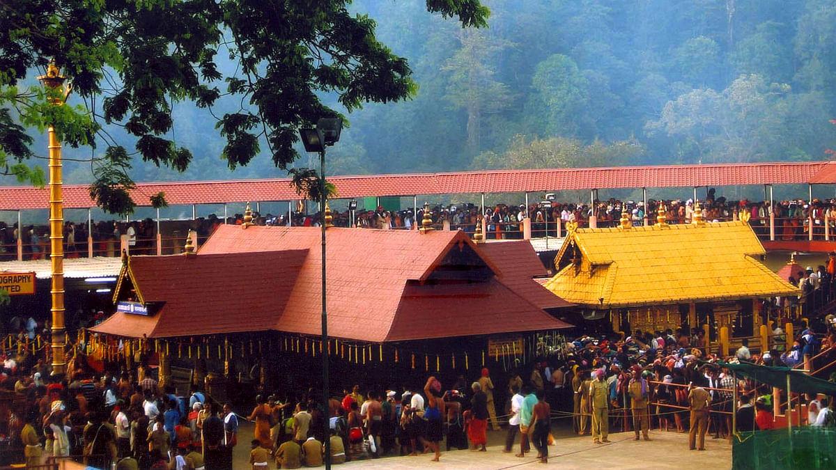 सबरीमाला में क्यों नहीं जा सकती महिलाएं, क्या है मंदिर का इतिहास?