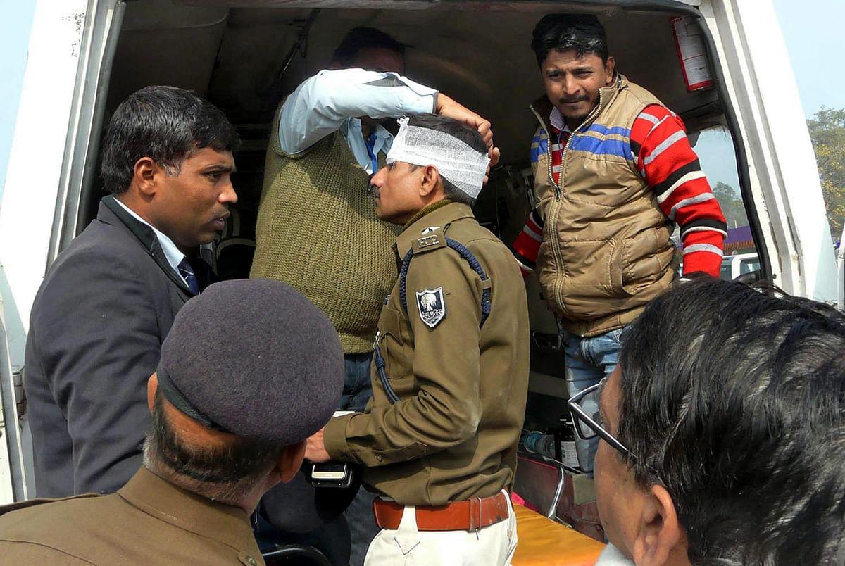 बक्सर के लोगों ने नीतीश कुमार के काफिले पर हमला किया, कई सुरक्षाकर्मी घायल