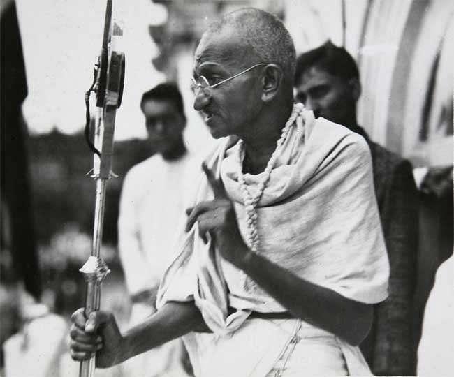 महात्मा गांधी का हथियार था अनशन
