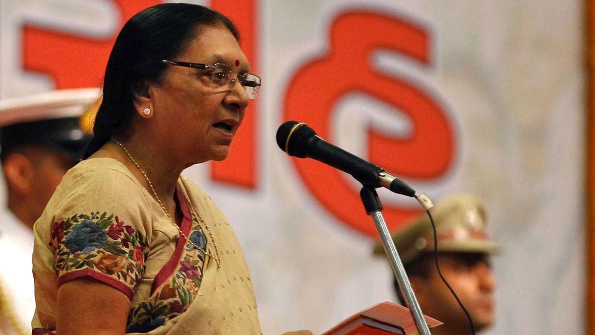 मध्य प्रदेश की गवर्नर और गुजरात की पूर्व मुख्यमंत्री आनंदीबेन पटेल ने महिलाओं पर विवादित बयान दिया है
