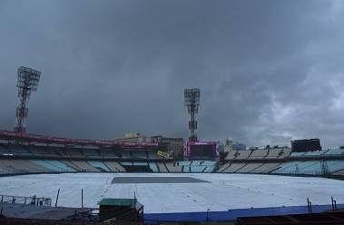 बेंगलुरू टेस्ट : बारिश के कारण खेल रुका