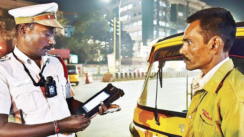 Driving Licence Renewal: ड्राइविंग लाइसेंस और RC समेत इन डॉक्यूमेंट्स की वैलिडिटी अब 30 जून तक बढ़ी