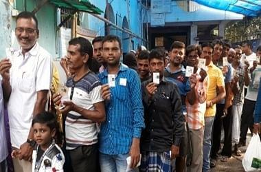 बंगाल चुनाव में मतदान की प्रतीकात्मक तस्वीर
