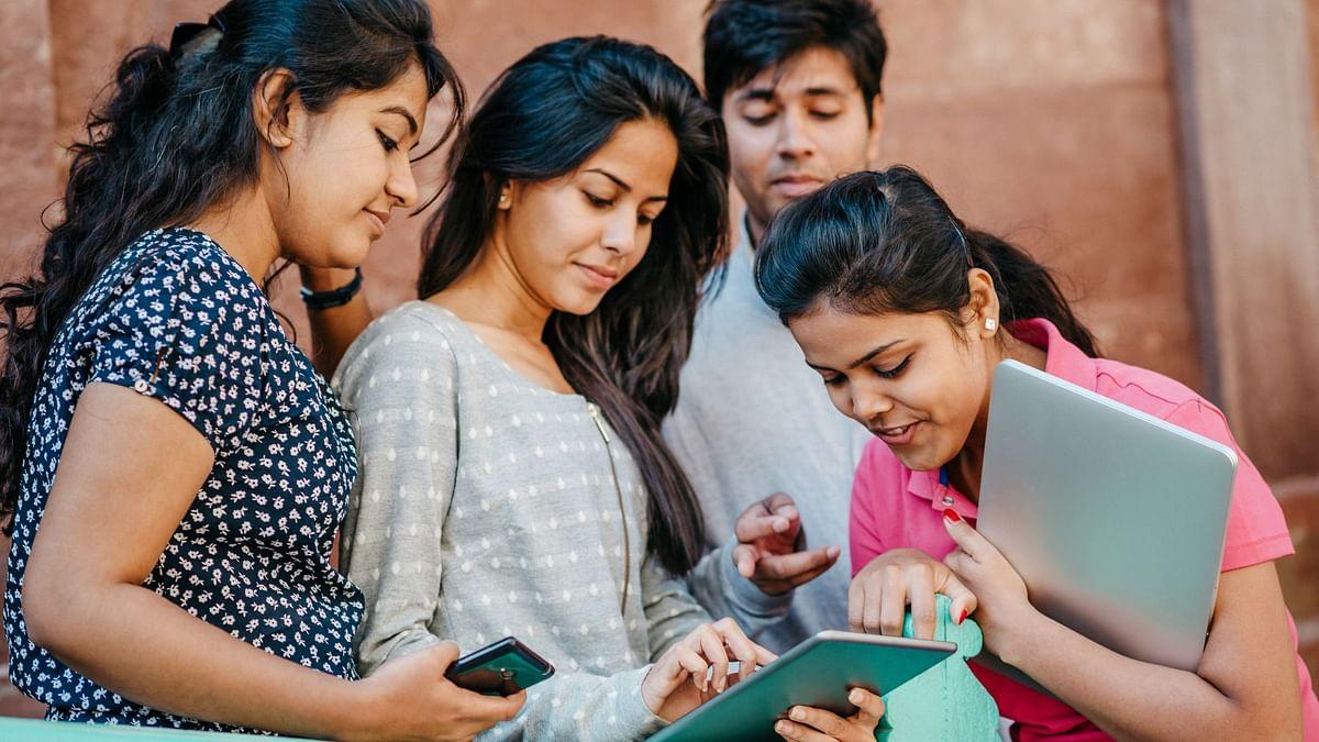 JEE Exam: नई शिक्षा नीति लागू, 13 भाषाओं में परीक्षा दे रहे छात्र