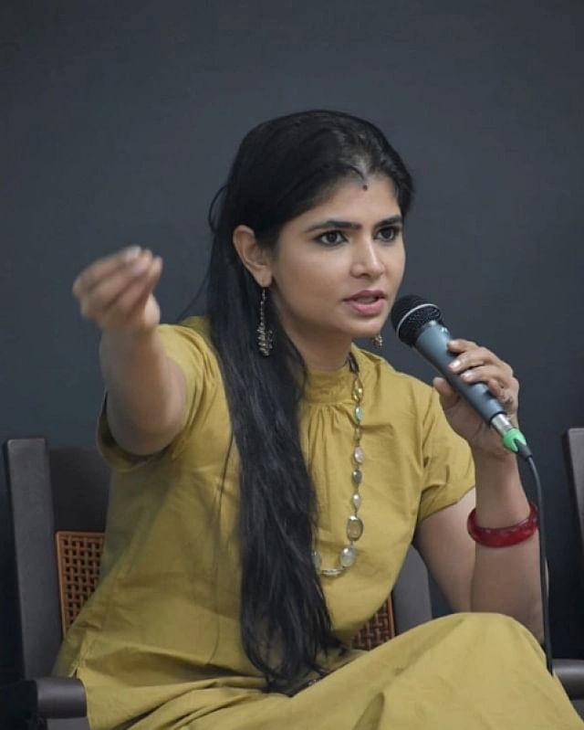 दक्षिण भारत की एक गायिका चिन्मयी श्रीपदा, जिन्होंने  कवि वैरामुथु पर यौन उत्पीड़न का आरोप लगाया था.