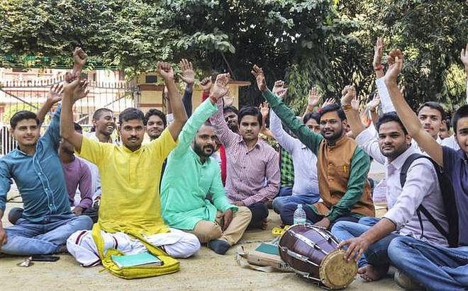 JNU ही नहीं देशभर में युवा कर रहे हल्लाबोल, 9 प्रदर्शनों की कहानी