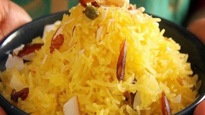 Yellow Food Recipe: How to cook meethe rice on Basant Panchami. पीले मीठे चावल बनाने की विधि.