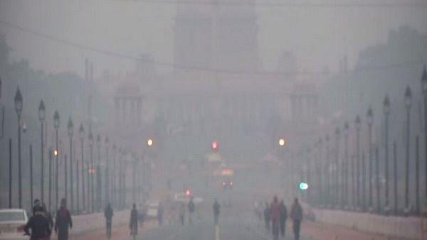 Delhi Weather: दिल्ली में आज बारिश के बन रहे आसार, लौटेगी सर्दी
