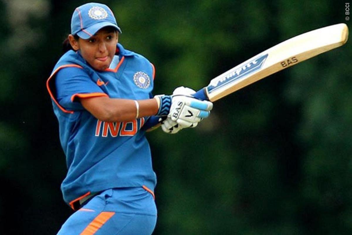 हरमनप्रीत कौर के कंधों में बल्लेबाजी और गेंदबाजी के अलावा कप्तानी की भी जिम्मेदारी है