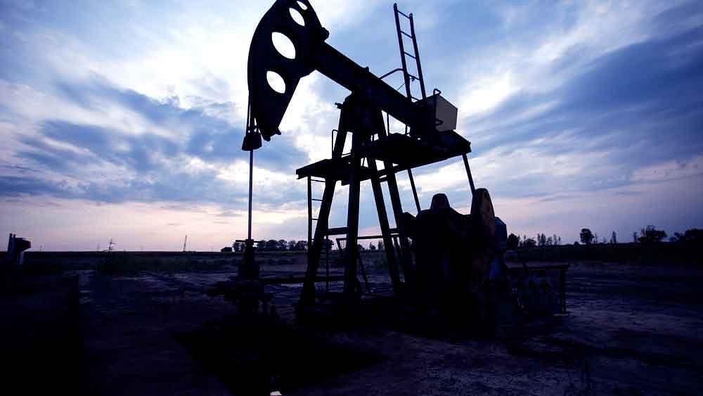 जीरो से नीचे तेल के दाम, कोरोना ही नहीं सऊदी-रूस ऑयल वॉर भी वजह