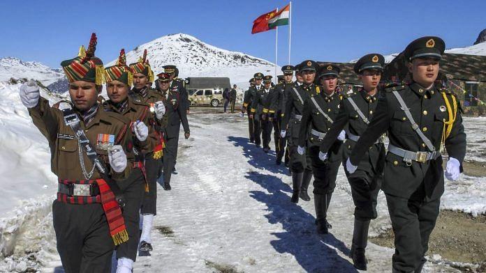 भारत-चीन में कम हुआ तनाव! चीनी फौज 2.5 Km पीछे हटी: रिपोर्ट