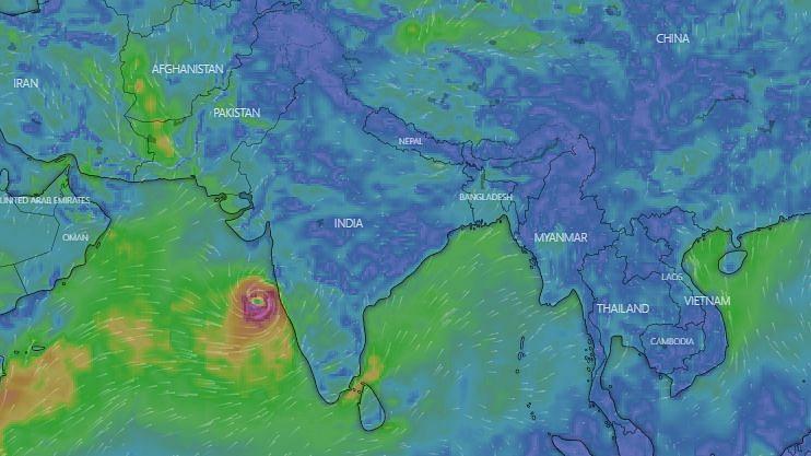 अरब सागर पर कम दबाव से चक्रवाती तूफान में जल्द तेजी का अंदेशा