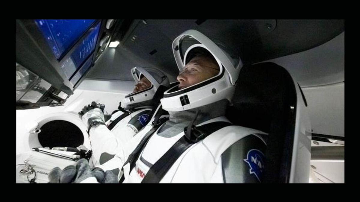 अमेरिका में कॉमर्शियल स्पेस ट्रैवल के एक नए युग की शुरुआत हो गई है