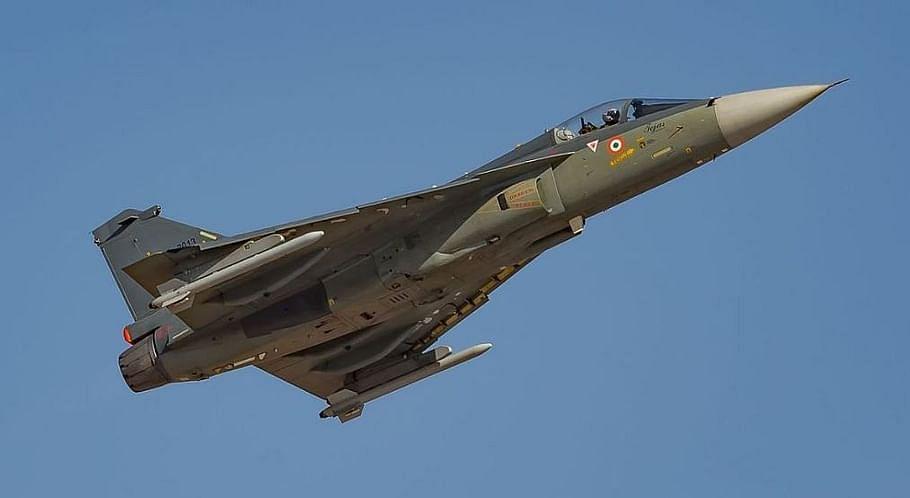 तेजस चौथी जनरेशन का सबसे हल्का और छोटा लड़ाकू विमान है