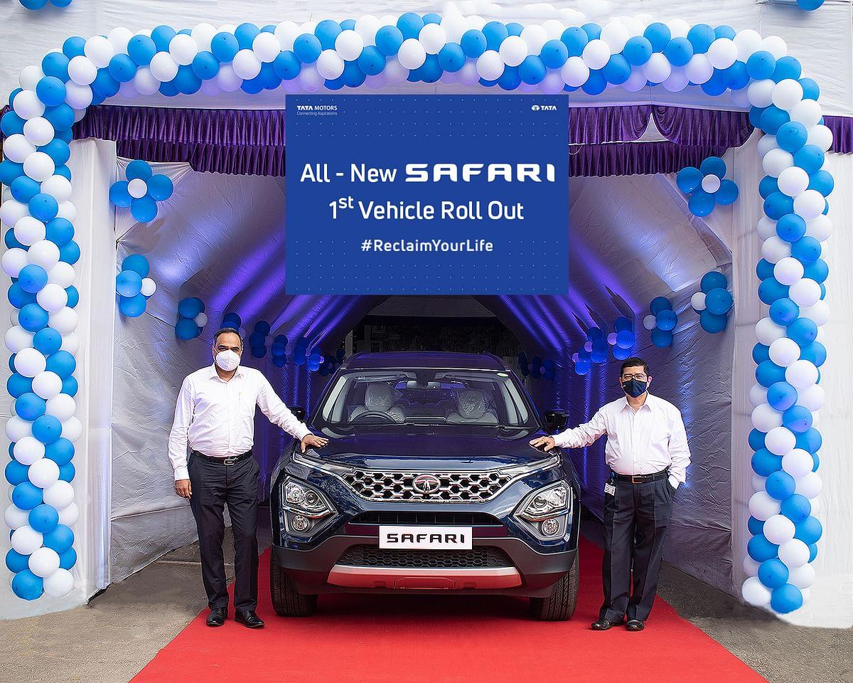 Tata Motors Delivers 100 Units: टाटा मोटर्स ने एक दिन में 100 Tata Safari SUV डिलीवर की