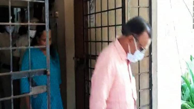 लेक्चरर पति-टीचर पत्नी पर अंधविश्वास में बेटियों की हत्या का आरोप