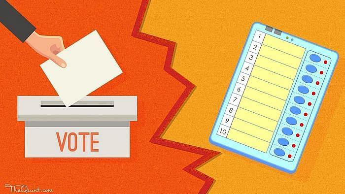 महाराष्ट्र: मतपत्रों से लोकल चुनाव का प्रस्ताव कितना संवैधानिक?