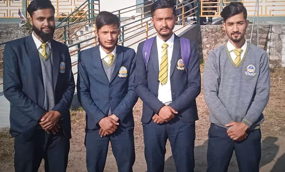 सिक्किम: बच्चे मांग रहे थे क्लासरूम, कॉलेज से ही निकाल दिया