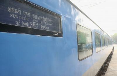 Shatabdi Express ट्रेनों की पूरी लिस्ट, चेक करें समय, रूट व किराया