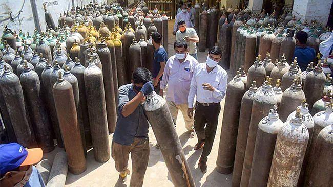 ऑक्सीजन सप्लाई पर दिल्ली HC- 'अड़चन पैदा की तो लटका देंगे'