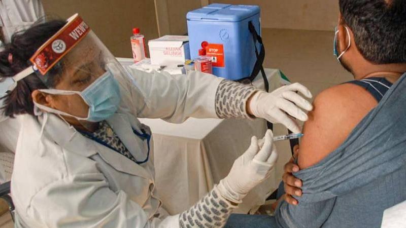 बंपर रजिस्ट्रेशन, लेकिन प्राइवेट अस्पतालों में मुश्किल वैक्सीनेशन