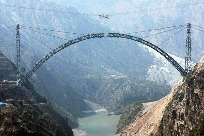 कश्मीर: एफिल टावर से ऊंचा रेलवे आर्क ब्रिज,कुतुबमीनार से बड़े खंभे
