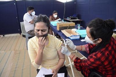 दिल्ली में कल से 18 से 44 वर्ष के लोगों नहीं लगेगी कोविड वैक्सीन