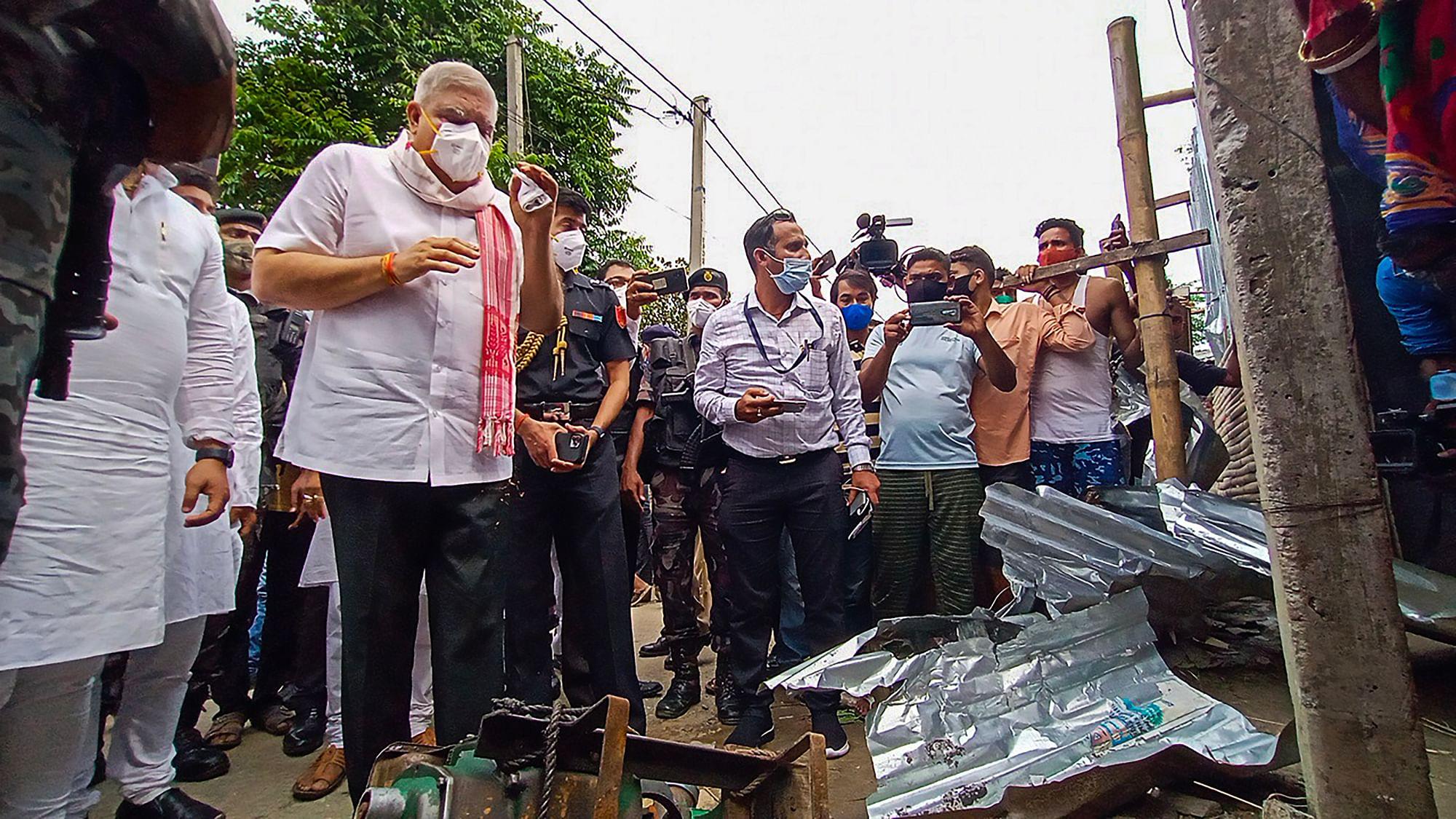 West Bengal   बंगाल: हिंसा प्रभावित इलाकों में पहुंचे राज्यपाल, जमकर हुआ विरोध   West Bengal Governor Jagdeep Dhankhar Visited Cooch Behar
