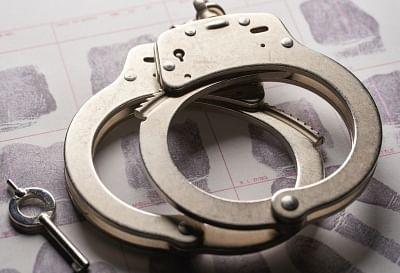 UP: मजदूरी मांगने पर दो बहनों संग गैंगरेप, 5 आरोपी गिरफ्तार