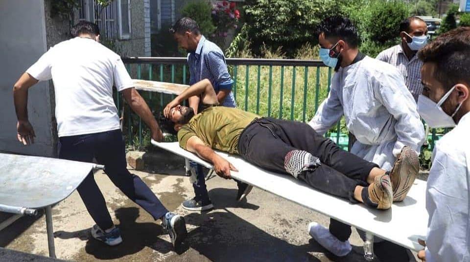 जम्मू-कश्मीर के सोपोर में आतंकी हमला हुआ है,