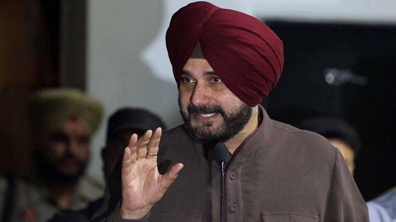 Navjot Singh Sidhu निस्संदेह कैप्टन Amarinder Singh के बाद कांग्रेस में दूसरे सबसे लोकप्रिय नेता हैं
