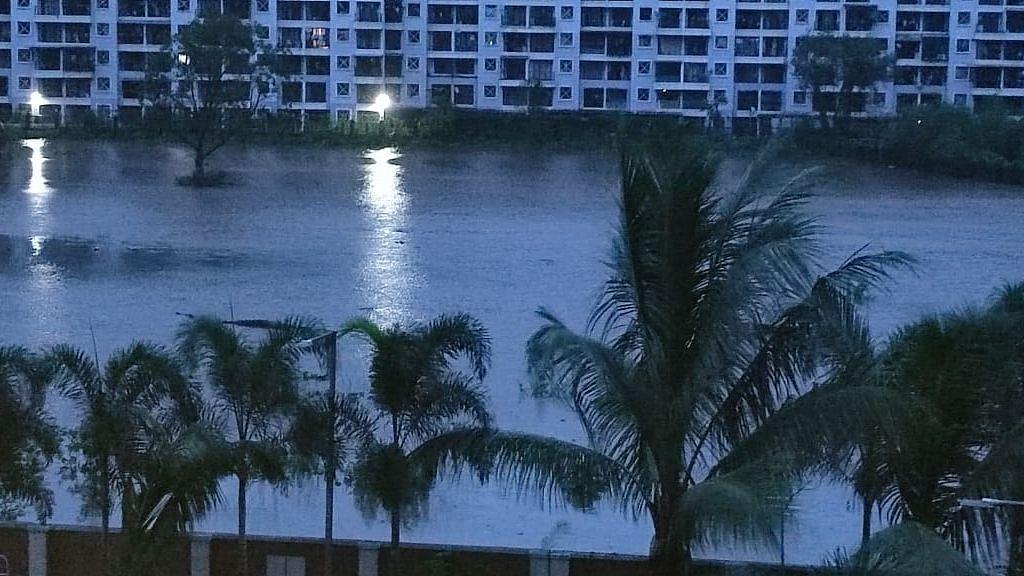 "<div class=""paragraphs""><p>मुंबई में बारिश</p></div>"
