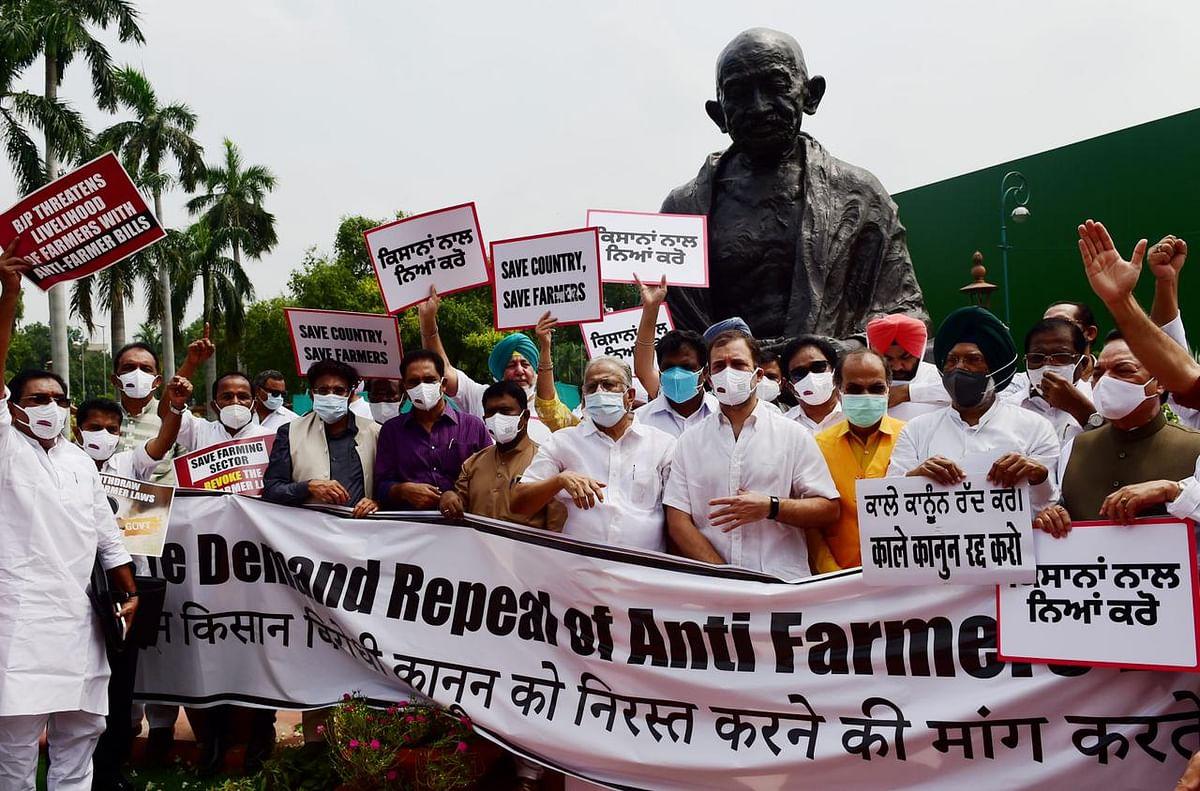 जंतर-मंतर पर किसानों की 'संसद' शुरू,टिकैत बोले-हम बाहर,MP सदन में उठाएं आवाज