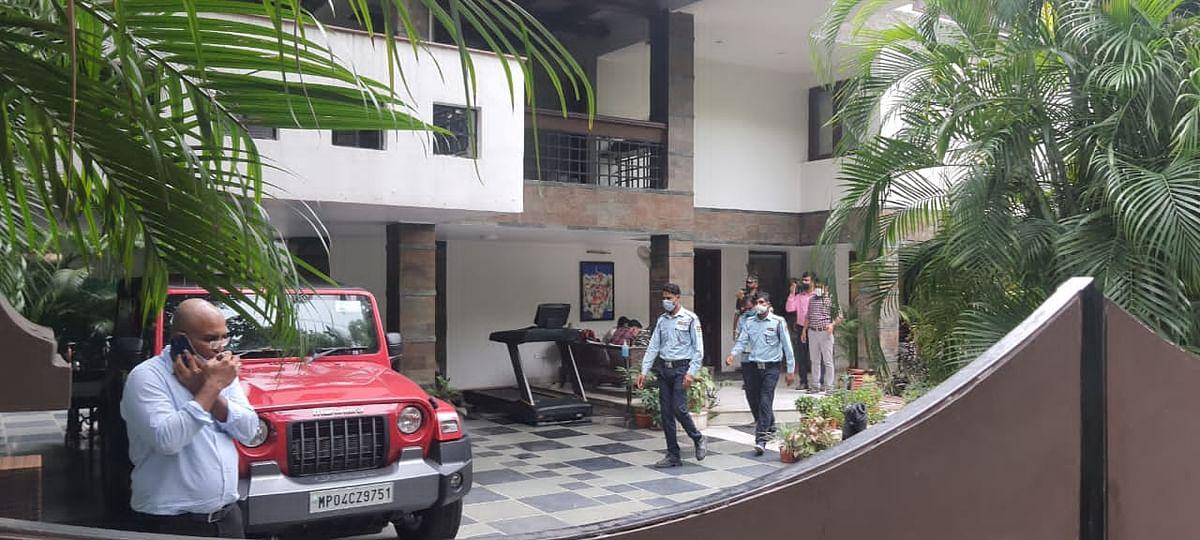 दैनिक भास्कर ग्रुप के भोपाल,जयपुर समेत कई ऑफिस पर इनकम टैक्स का छापा