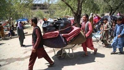 अगले 4 महीनों में 5 लाख अफगान छोड़ सकते हैं देश: UNHCR