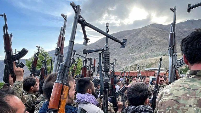 तालिबान विरोधी बलों का दावा- उत्तरी अफगानिस्तान के तीन जिलों पर कब्जा