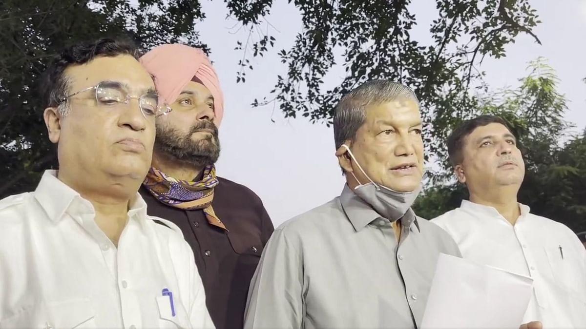 "<div class=""paragraphs""><p>Punjab के अगले CM पर Sonia Gandhi लेंगी फैसला</p></div>"