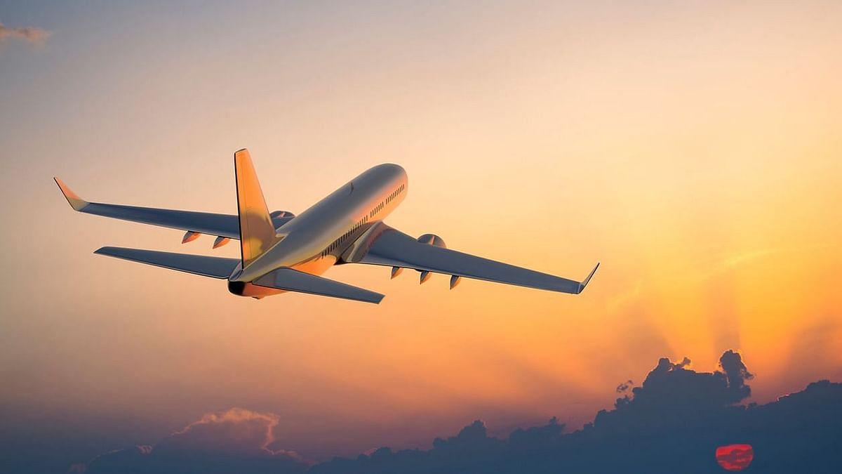 """<div class=""""paragraphs""""><p>कनाडा के लिए उड़ान&nbsp;</p></div>"""