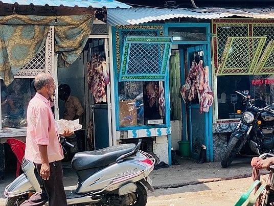 मथुरा मीट बैन:UP में कारोबारी लगातार किए जा रहे टारगेट, गैर मुस्लिम भी प्रभावित