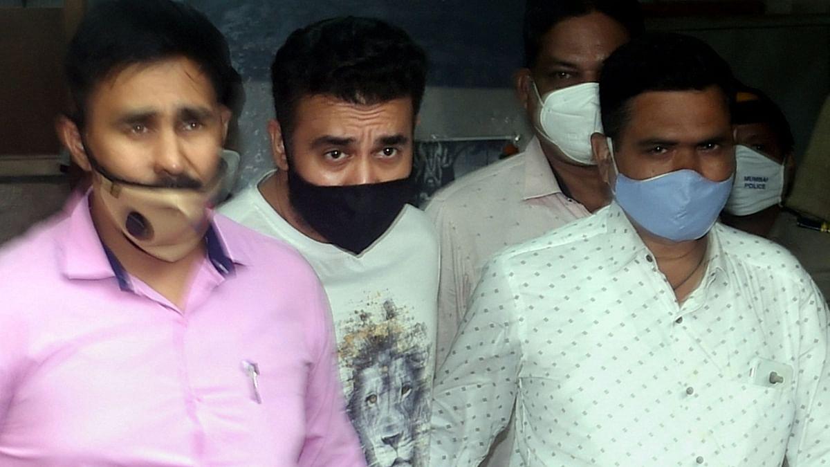 """<div class=""""paragraphs""""><p>शिल्पा शेट्टी के पति कुंद्रा को 19 जुलाई को IPC के तहत संबंधित धाराओं के तहत गिरफ्तार किया गया था.</p></div>"""