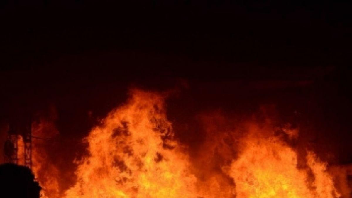 पश्चिम बंगाल के सचिवालय नबन्ना में लगी आग