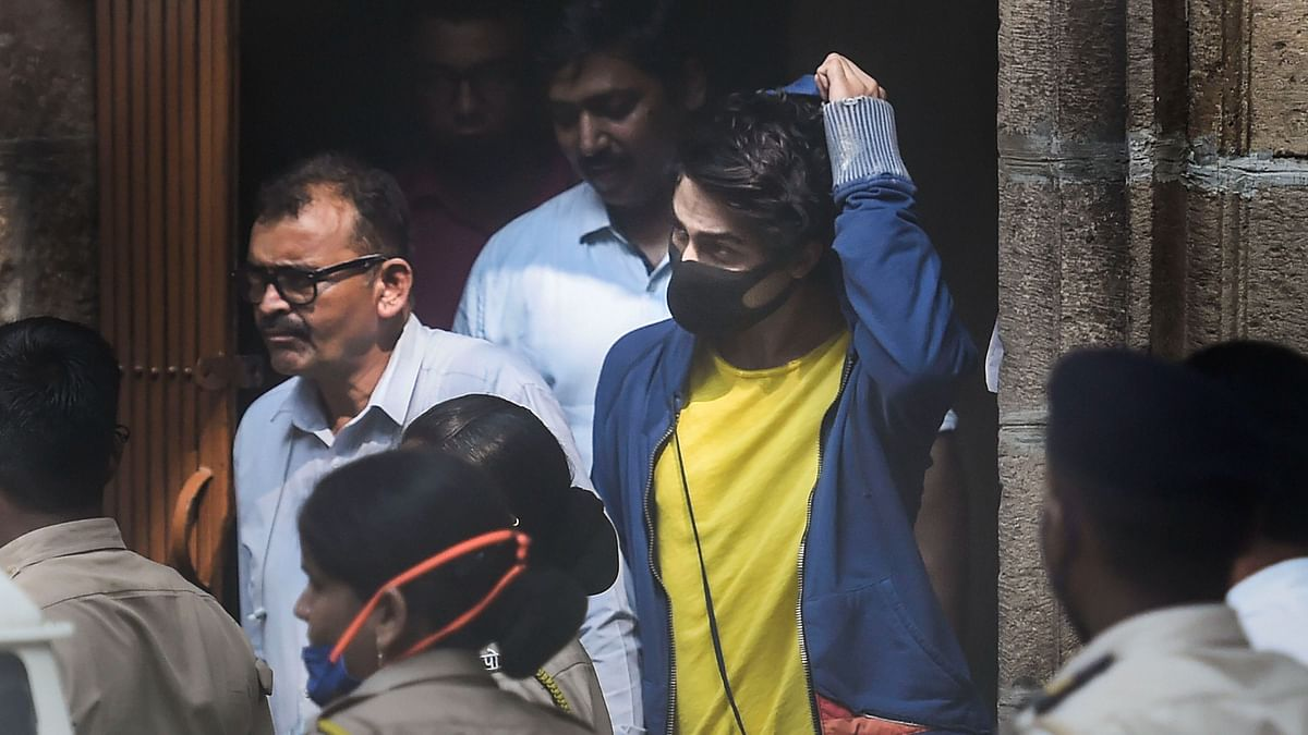आर्यन खान ड्रग्स केस: NCB ने 20 लोगों को किया गिरफ्तार, जानिए किस पर क्या आरोप