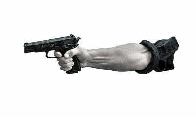 यूपी के प्रयागराज में घर में घुसकर मां-बेटी की हत्या