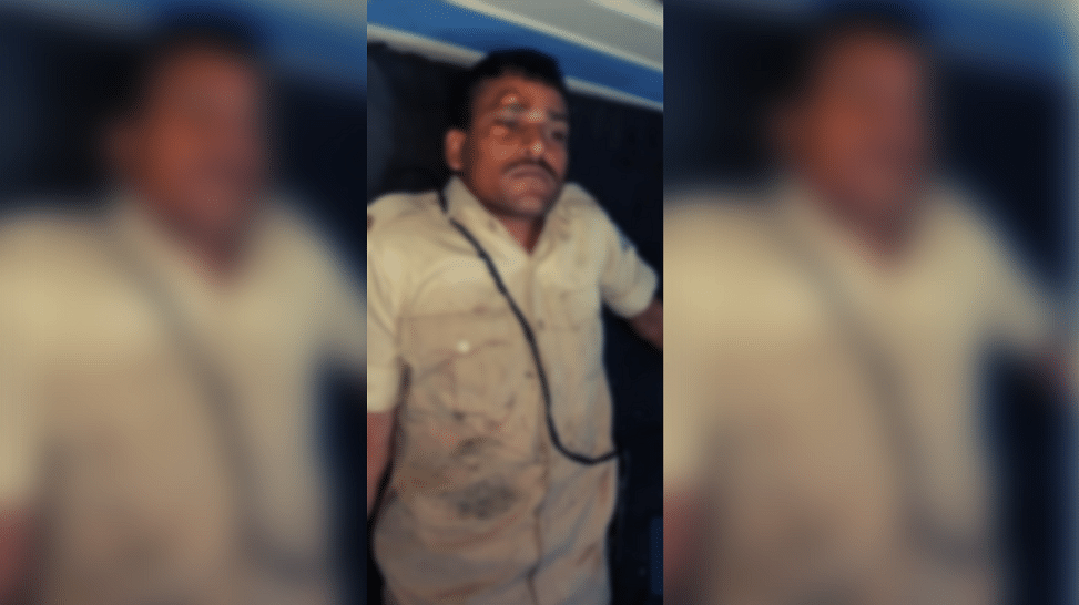 झारखंड: रावण दहन रुकवाने गई पुलिस पर हमला, DSP समेत 8 घायल