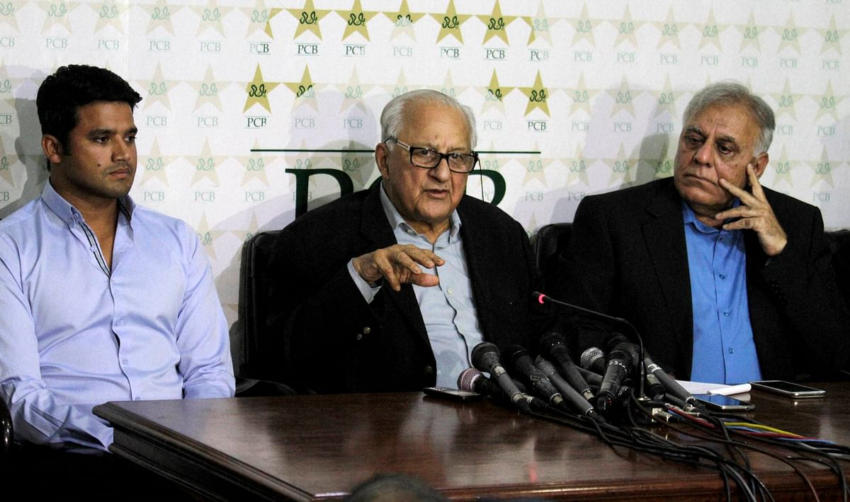 Shaharyar Ali Khan, center, chairman of the Pakistan Cricket Board, addresses a news conference with newly selected captain Azhar Ali, left, in Lahore. (Photo: PTI)