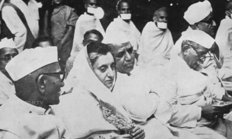 Desai with Indira Gandhi (Courtesy: Youtube.com)