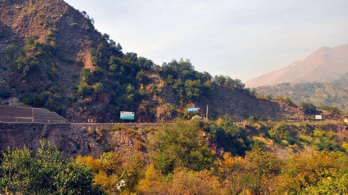 The road that leads to Muzaffarabad, capital of Pakistan Occupied Kashmir. (PoK) (Photo Aabid Shafi/The Quint)