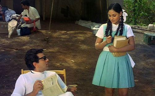 Superstar Dharmendra and newcomer Jaya Bhaduri in a still from <i>Guddi </i>(1971).
