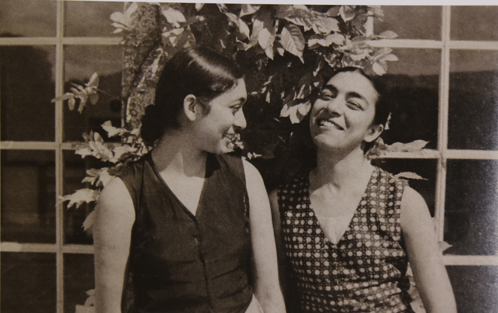 Zohra Sehgal with her younger sister Uzra Bhatt who was a leading actress in the Prithvi Theatre.