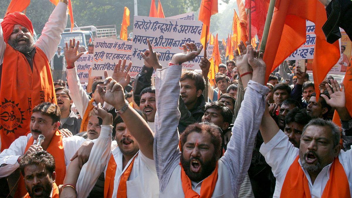 Shiv Sena activist protest in New Delhi to mark the 13th anniversary of the Babri mosque.(Photo: Reuters)
